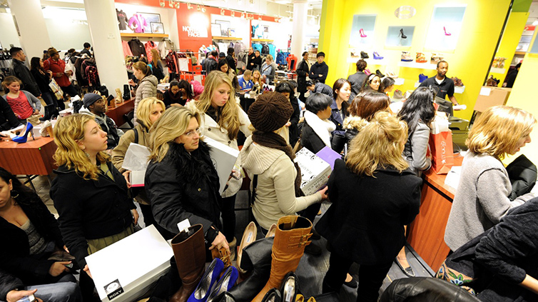 Colas y colas en el Black Friday