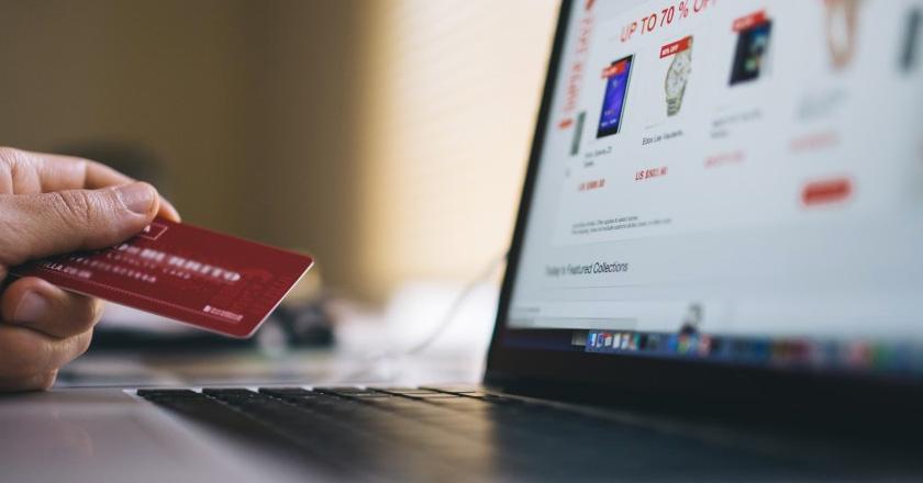 Sigue aumentando el número de compradores online